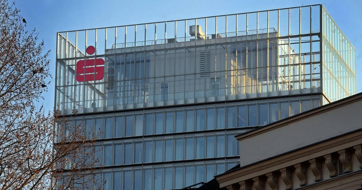 Düsseldorf: Sparkasse kündigt Kunden mit hohen Guthaben - RP ONLINE