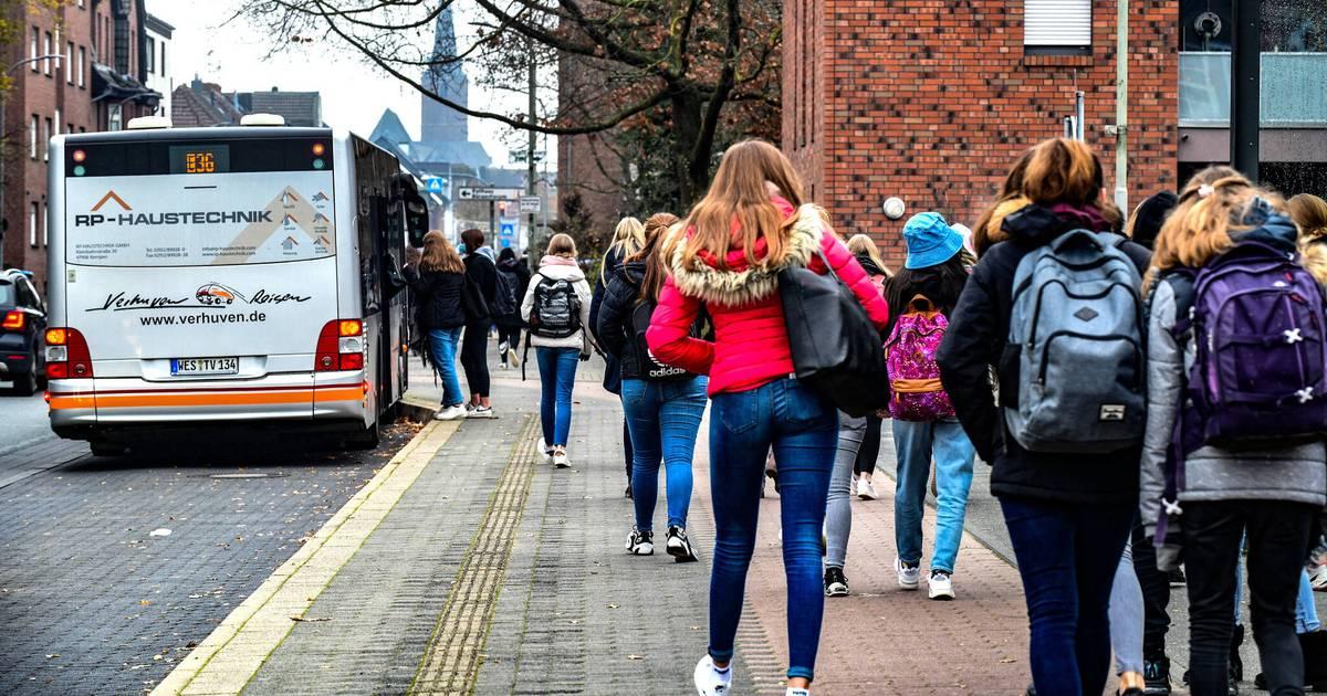 Entzerrung des Schulstarts: Städte lassen Schulbus-Förderung liegen