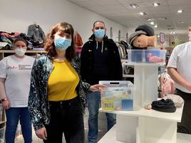 Soziale Aktion in Grevenbroich: Kleiderladen des DRK öffnet trotz des Lockdowns für Wohnungslose