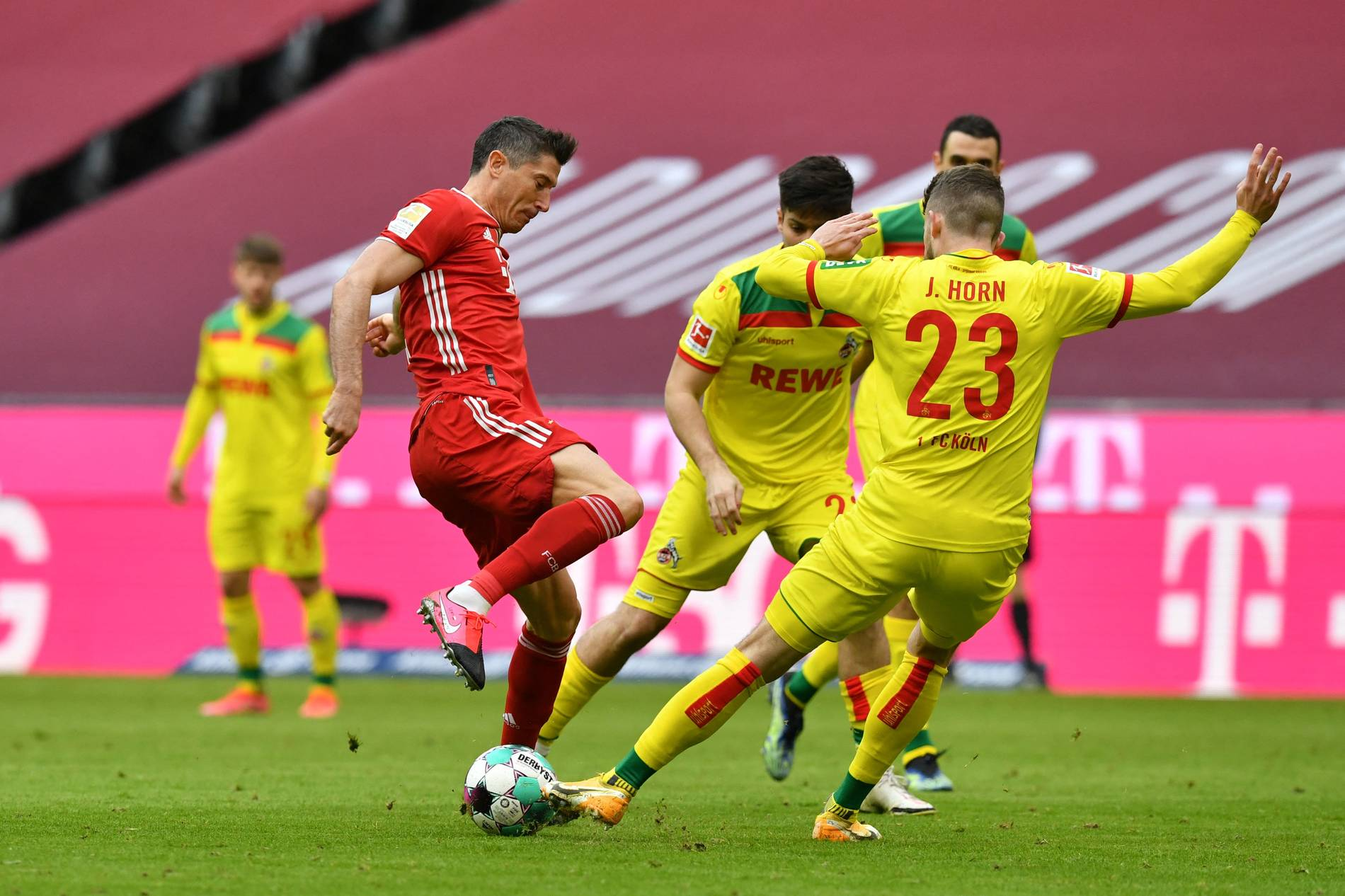 Bundesliga: Bayern München besiegt den 1. FC Köln 5:1