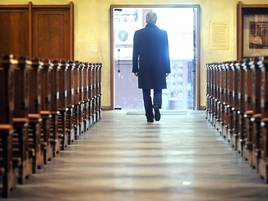 Kirchenkrise: Religionsfreie in Düsseldorf fordern mehr Austrittstermine