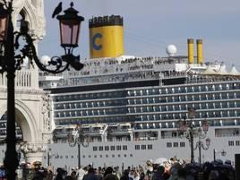 Tourismus: Venedig lässt Kreuzfahrtschiffe nicht mehr zum Markusplatz