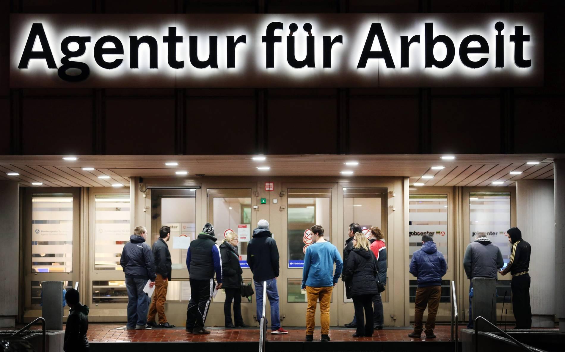 Die Arbeitslosenquote in Duisburg ist gesunken aber bei der Langzeitarbeitslosigkeit sieht es weiter düster aus