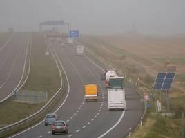 Nach heftigen Sturmböen: Tagebau-Autobahn bei Grevenbroich wieder gesperrt
