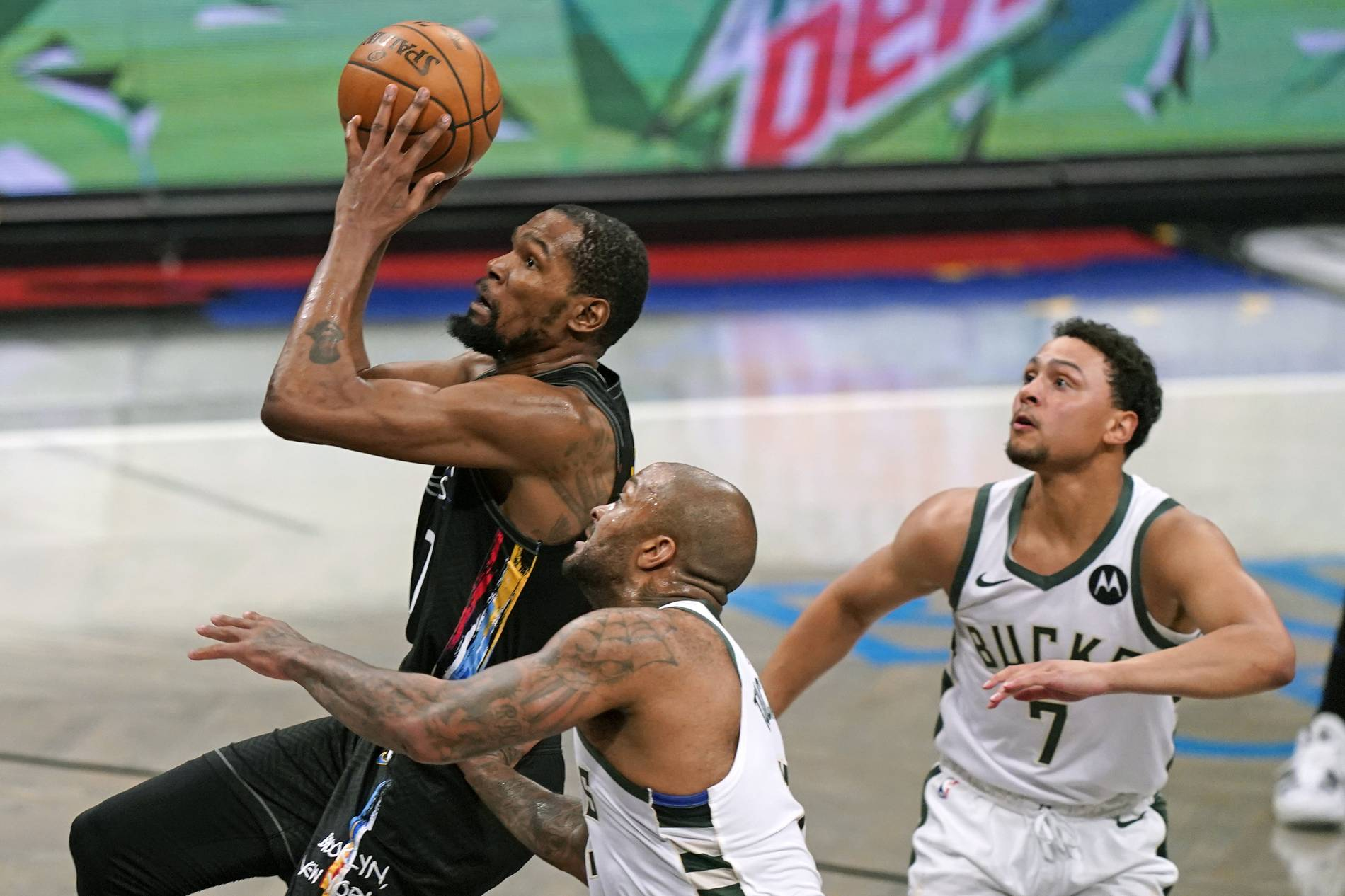 NBA-Playoffs 2021: Die Nets bezwingen die Bucks deutlich in Spiel zwei