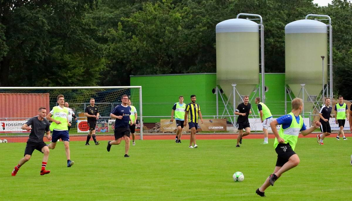 Sport schule nackt JENNIFER LAWRENCE