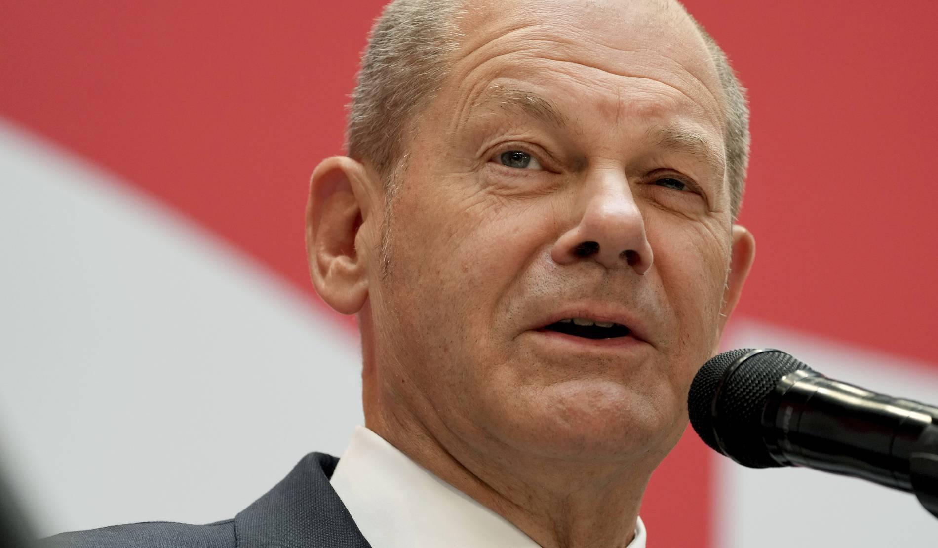 Erste Pressekonferenz auf Englisch   Olaf Scholz probt den Kanzler
