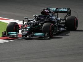 Strafe für Weltmeister: Hamilton fährt Bestzeit– wird aber zehn Startplätze zurückversetzt