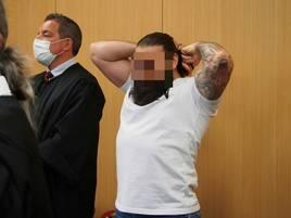 Langenfelder vor Gericht: Prozessauftakt gegen Brüderpaar