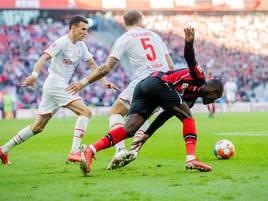 Rheinderby vor ausverkauftem Haus: Köln kommt famos gegen Bayer 04 zurück und rettet Punkt
