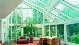 Wintergarten: Ein Wohnzimmer aus Glas