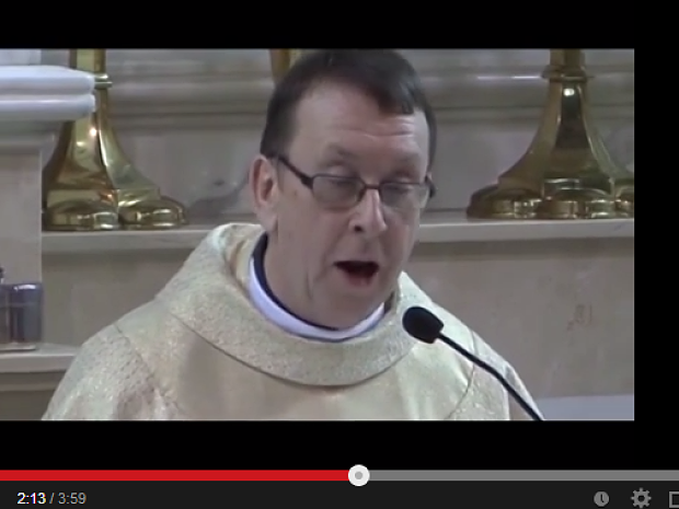 Singender Pfarrer Halleluja