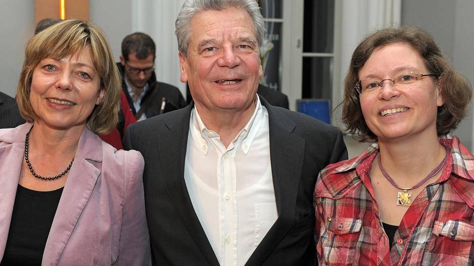 Ein Präsident zwischen zwei Frauen: So ist Joachim Gauck