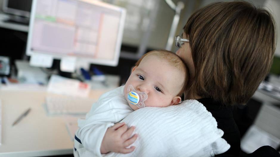 Arbeit Und Kind Karriere Machen Trotz Babypause