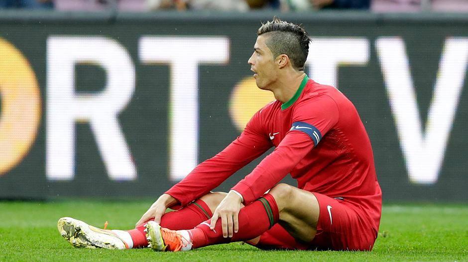 Cristiano Ronaldo Trifft Mit Neuer Frisur