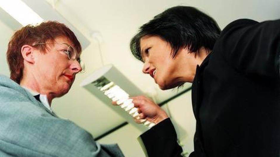 Psychoterror im Job: Was tun, wenn der Chef mobbt?