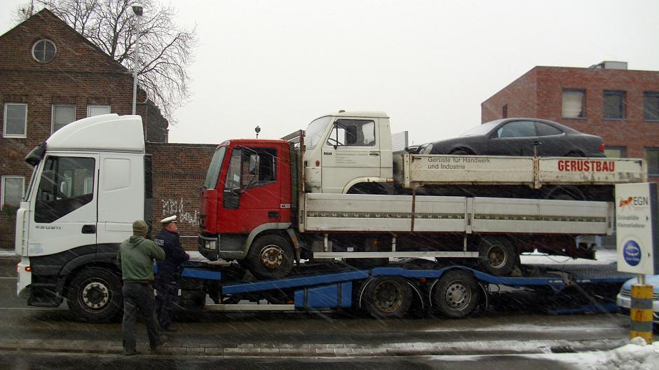 transporter mieten krefeld wohnmobil mieten in krefeld von privat ford traumfnger with. Black Bedroom Furniture Sets. Home Design Ideas