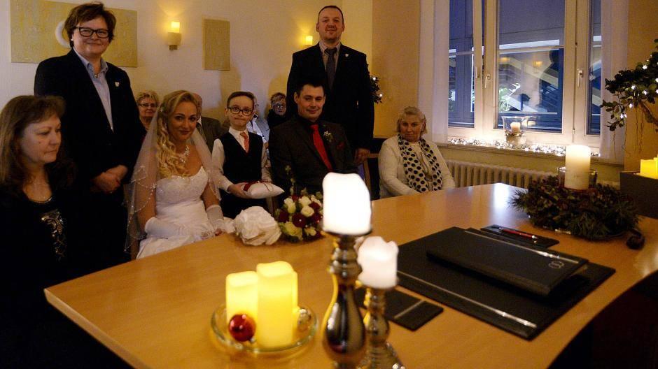 Heiraten bei Kerzenschein: Candlelight-Trauung in
