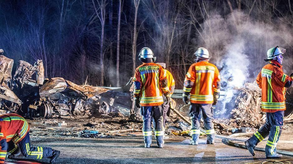 Heilbronn Zwei Menschen Sterben Bei Unfall Mit