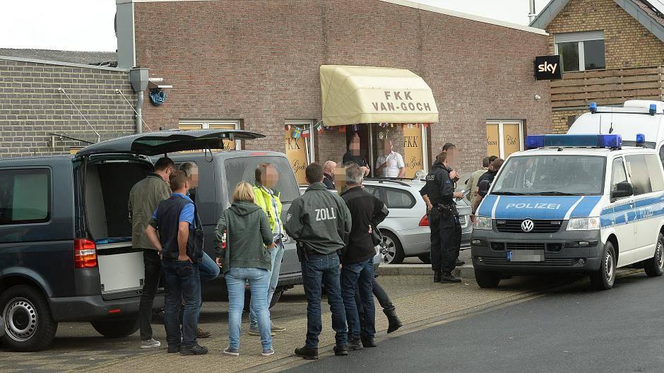 Razzia: Staatsanwaltschaft ermittelt gegen Saunaclub van Goch