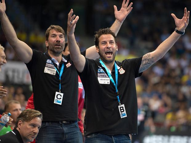 Handball Blaue Karte.Handball Bundesliga Boomt Doch Die Neuen Regeln Stören