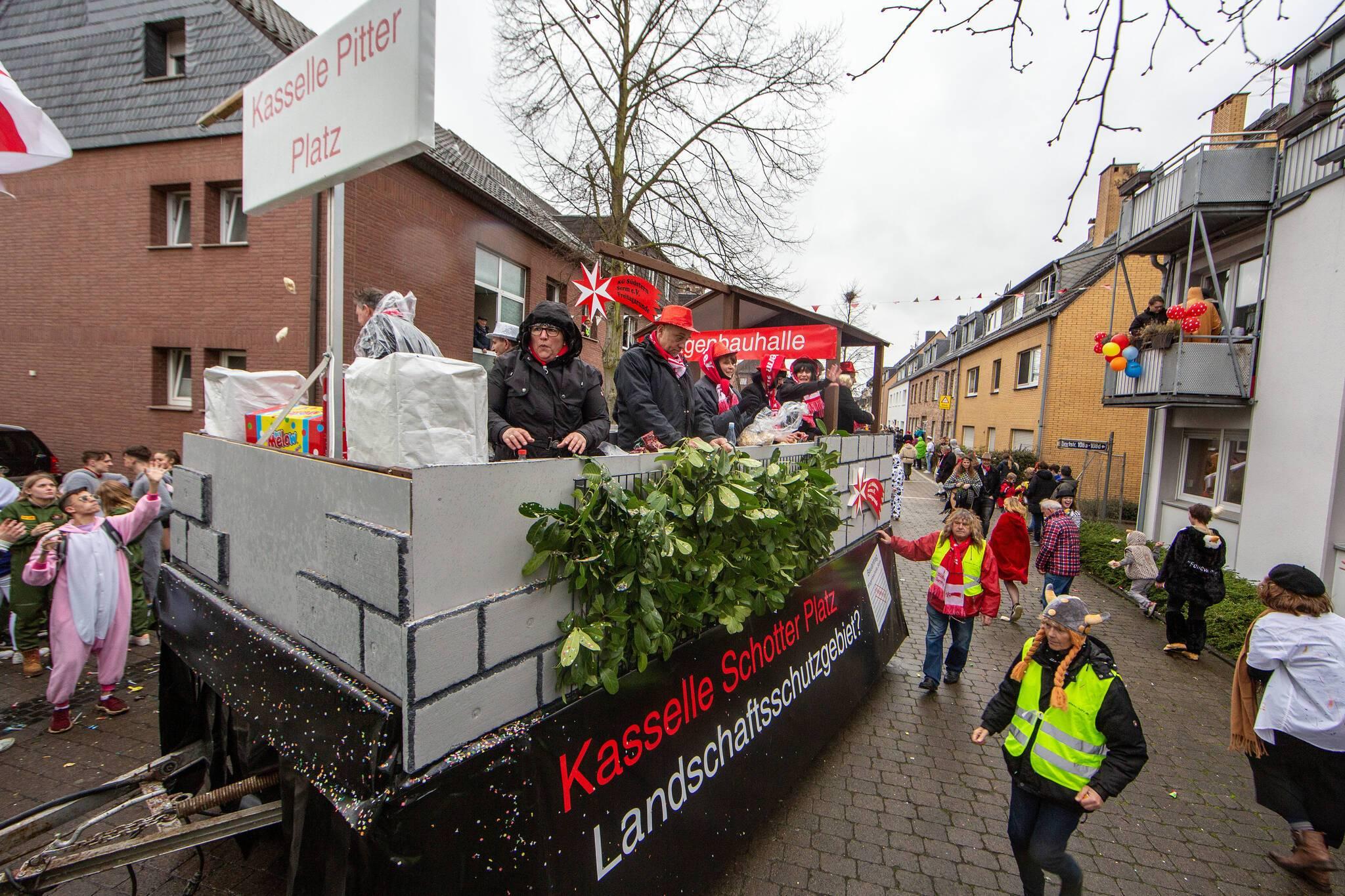 bilder vom karnevalszug in duisburg serm 2019