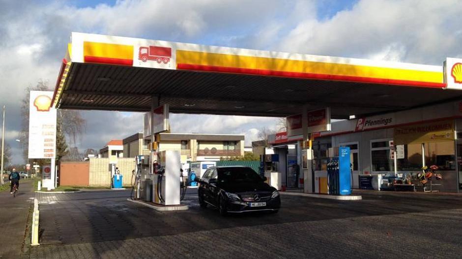 Shell Tankstellen Karte.Meerbusch Neue Shell Tankstelle In Strümp Sorgt Für Diskussion