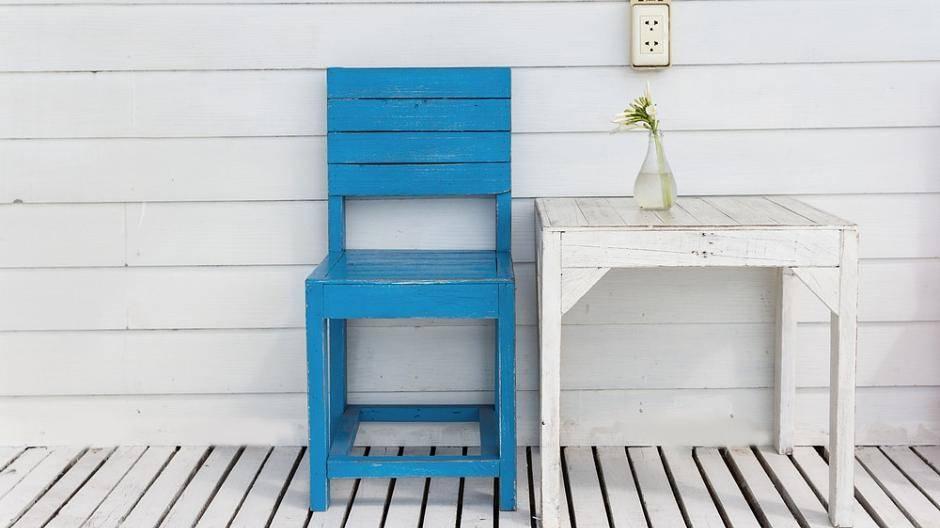 Möbel selbst lackieren