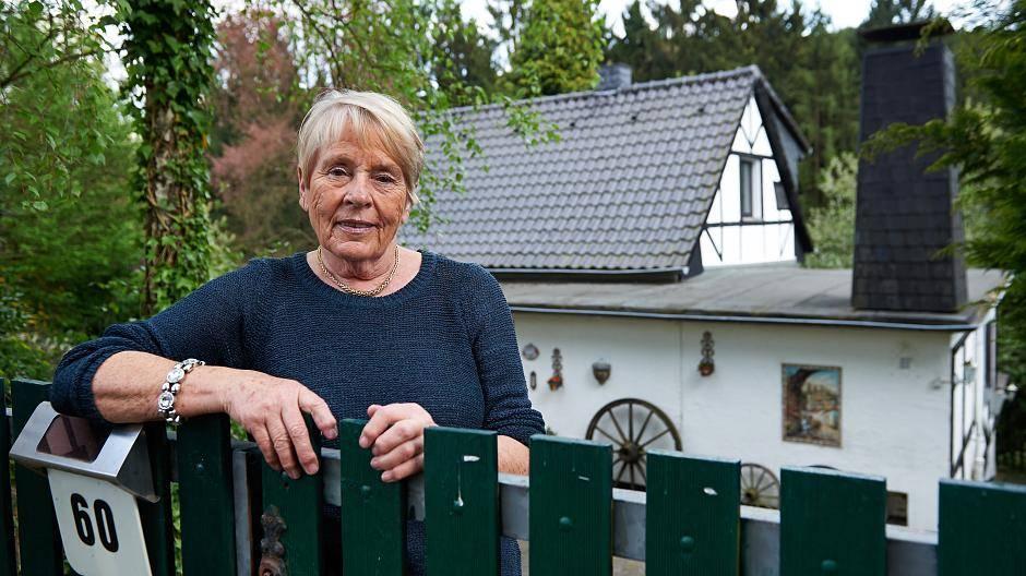 Favorit Keine Baugenehmigung: Rentnerin soll Haus nach 75 Jahren abreißen OO94