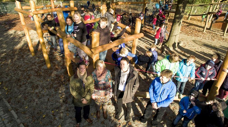 Klettergerüst Für 2 Jährige : Kamp lintfort: schüler freuen sich über klettergerüst