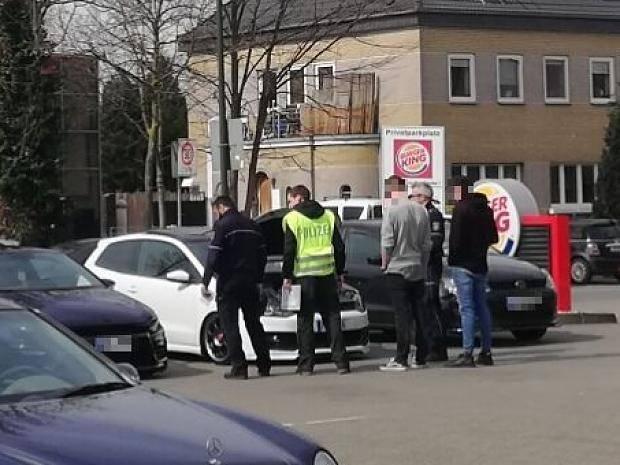Car Freitag Blieb Friedlich Tuning Szene In Nrw Unterwegs