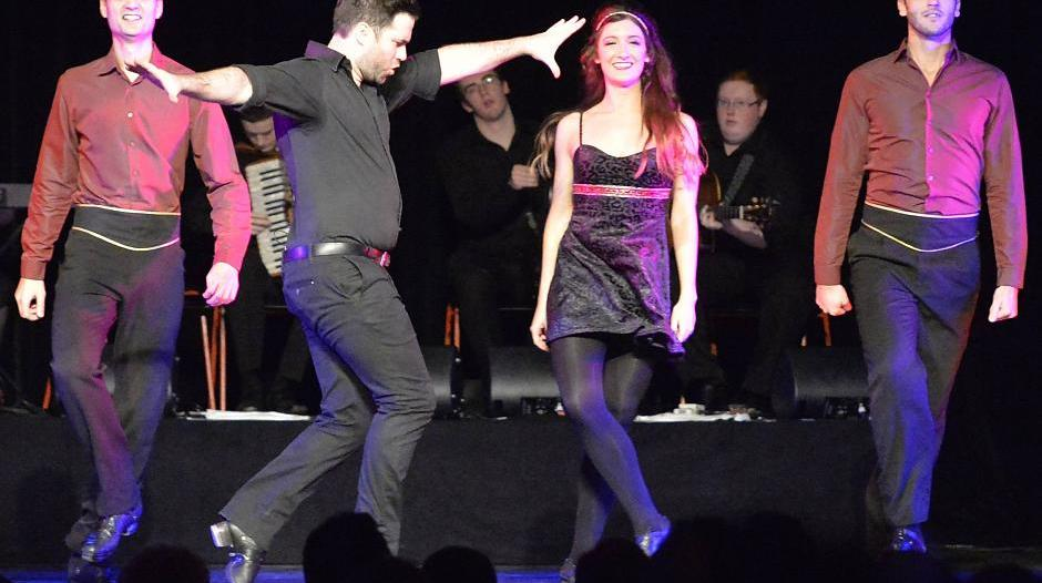 "Hückeswagen: Tanzshow ""Celtic Rhythms of Ireland"" im Forum"