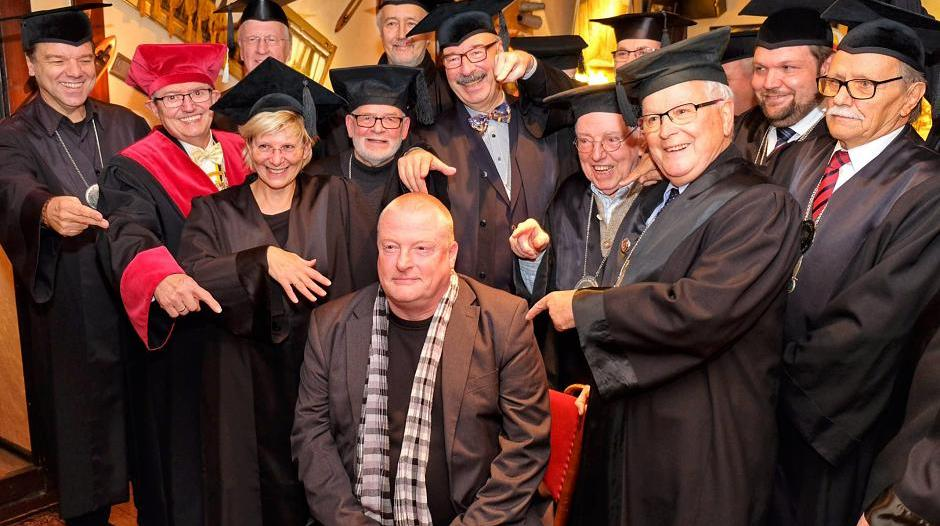Krefeld: Theater-Chef Michael Grosse ist der 53. Dr. Humoris Causa