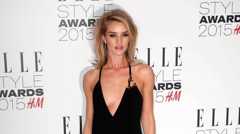 Rosie Huntington-Whiteley verdreht Männern bei Elle Style Awards den ...