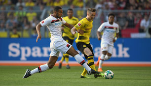 Jonathan Tah, hier im Duell mit