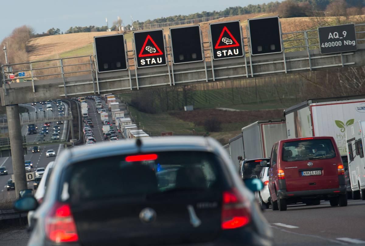 Verkehrschaos in Bayern? Hier warnt der ADAC vor Staus am Pfingstwochenende