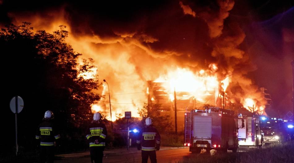Polen schaltet nach Serie von Müllkippenbränden Geheimdienst ein