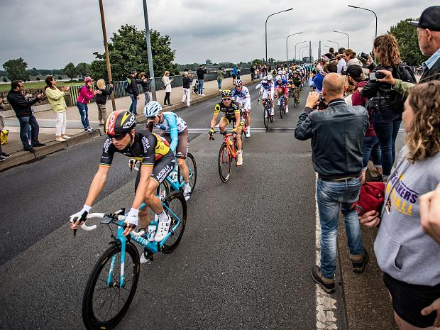 Tour De France 2017 Etappe 2 Hunderttausende Fans An Der Strecke