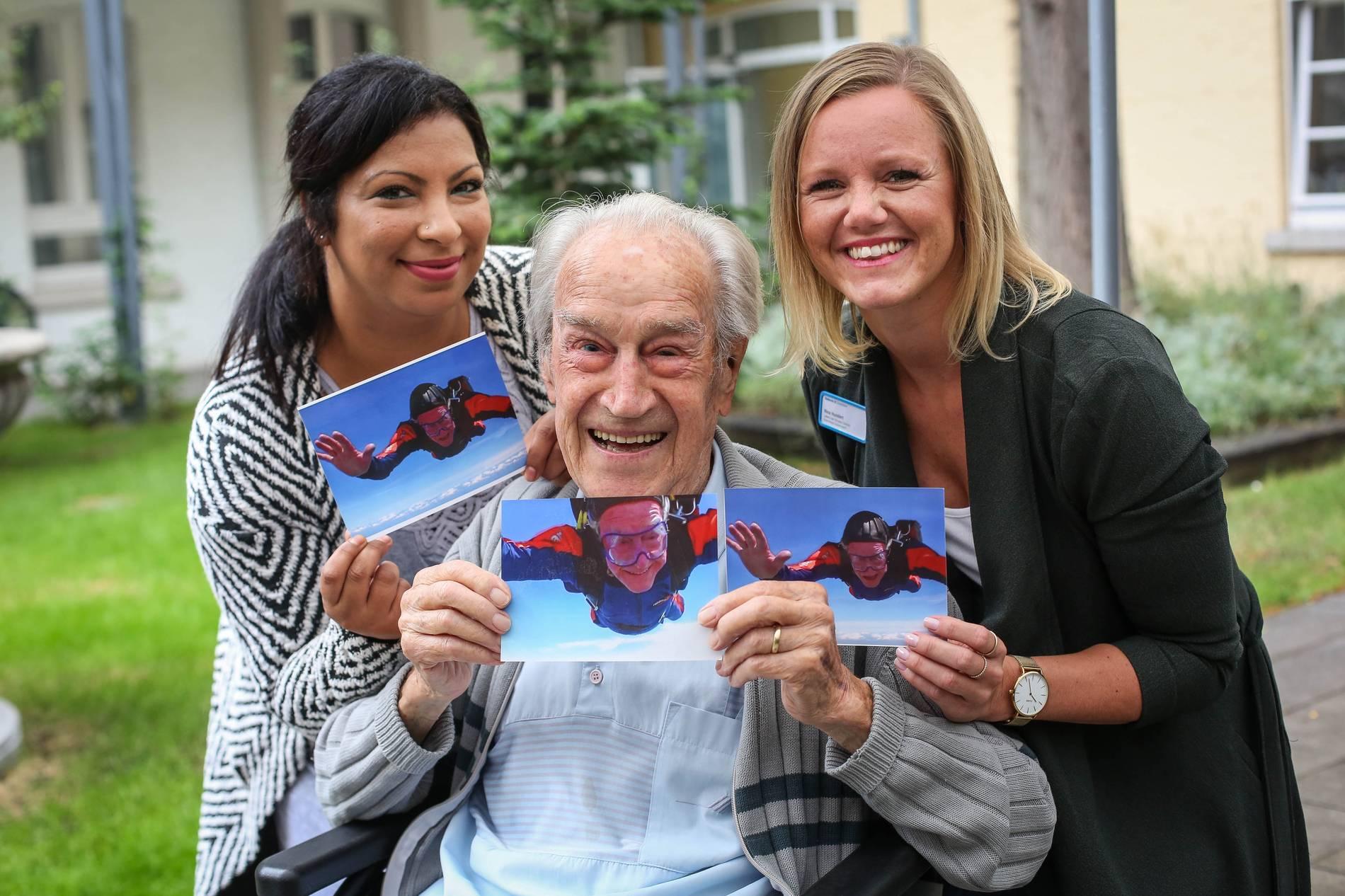 Düsseldorf Senior Wünscht Sich Zum 100 Geburtstag Einen