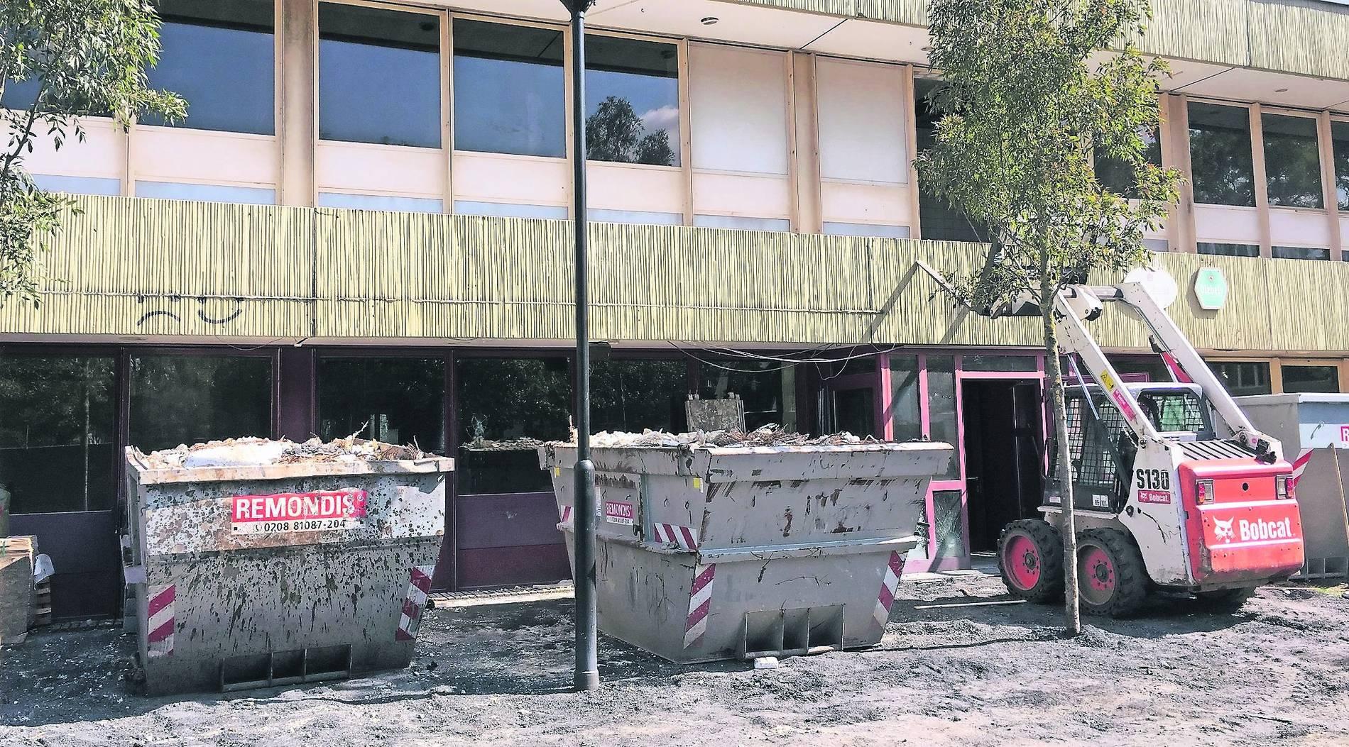 Sanierungsarbeiten In Kathrin Turks Halle Dinslaken