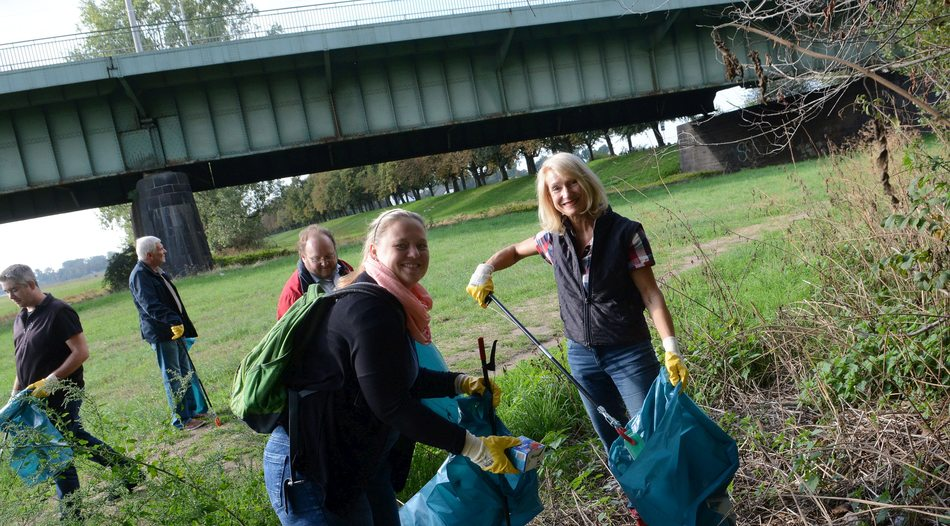 Rhine Clean Up: Aufräumaktion in Neuss