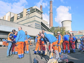 Demonstrationszug in Essen: 4000 RWE-Mitarbeiter warnen vor Jobabbau