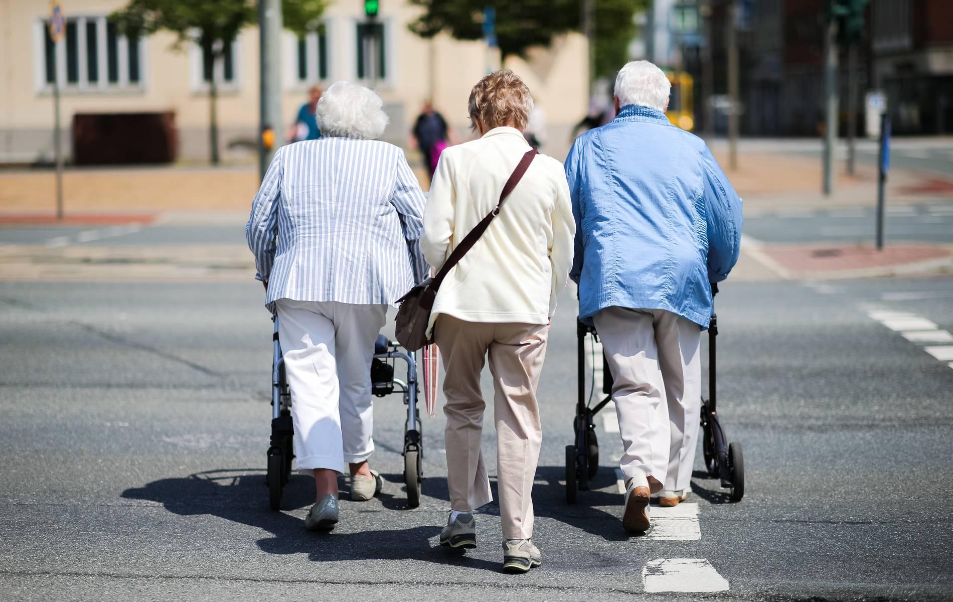 Renten: Bundestag beschließt Rentenerhöhung ab 2019