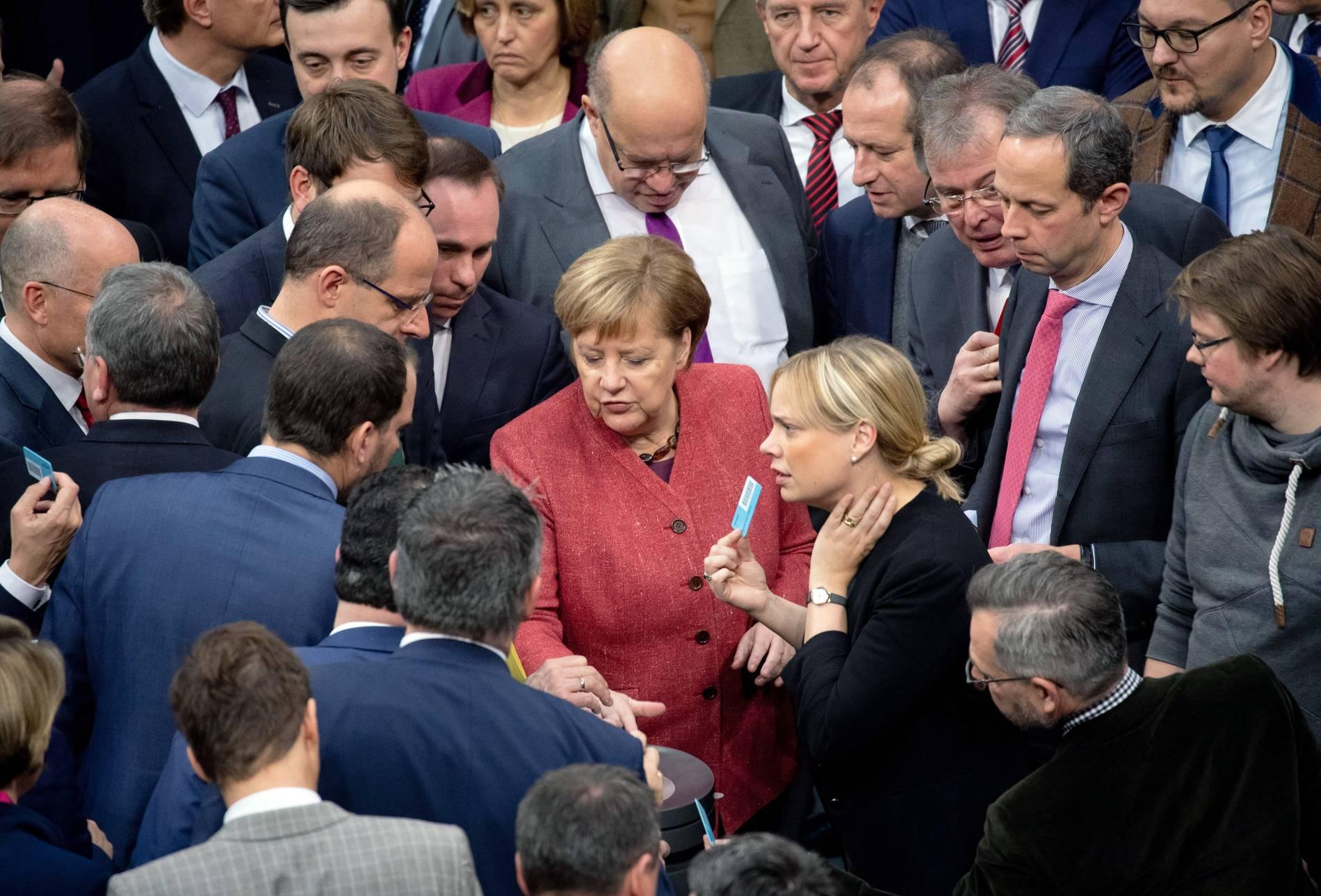 Bundestag stellt sich mehrheitlich hinter UN-Migrationspakt