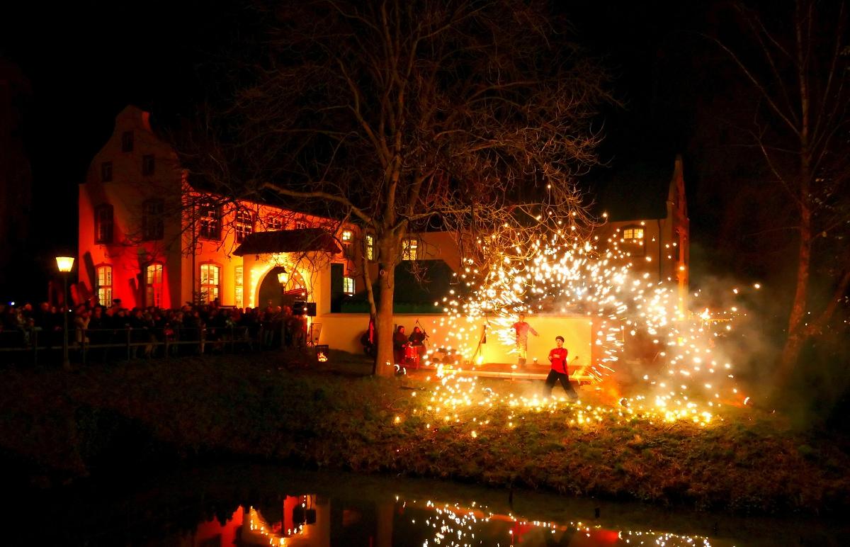 Weihnachtsmarkt Kempen.Der Romantische Weihnachtsmarkt An Der Dorenburg Hat Eröffnet