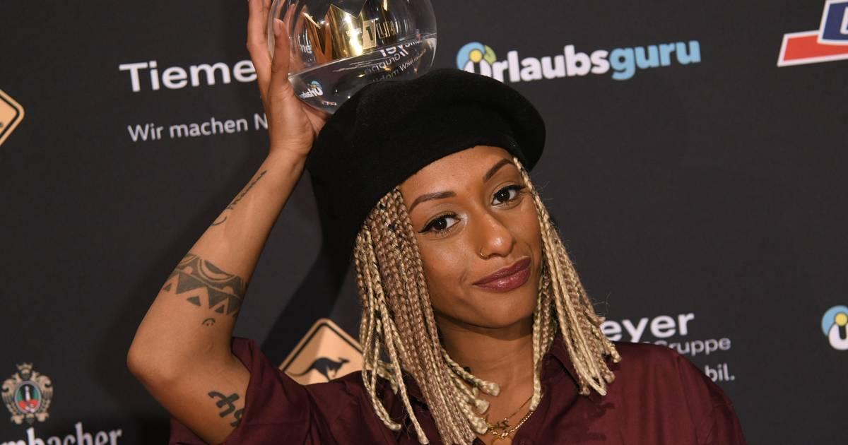 1live Krone 2018 In Bochum Nura Wird Als Beste Künstlerin