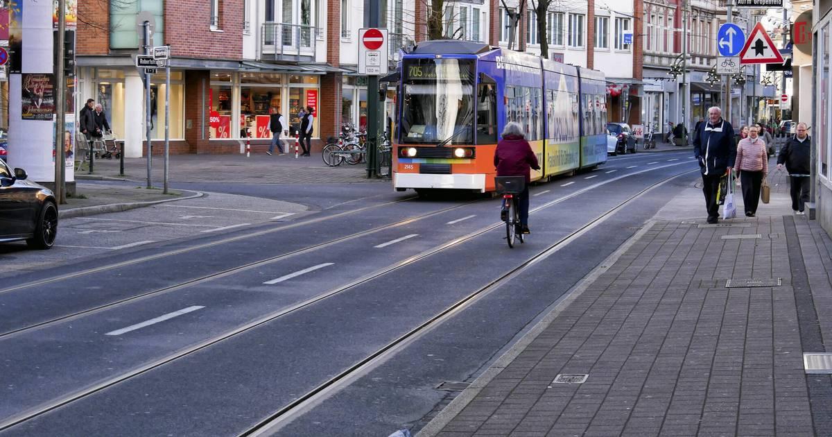 Düsseldorf Das Ist Die Gumbertstraße In Eller Zwischen An Und