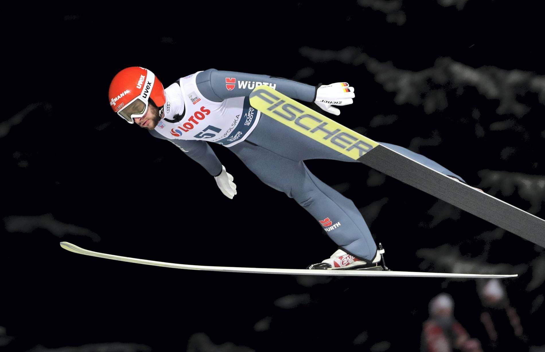 Skispringen Sturzdrama Um David Siegel überschattet Deutschen Sieg