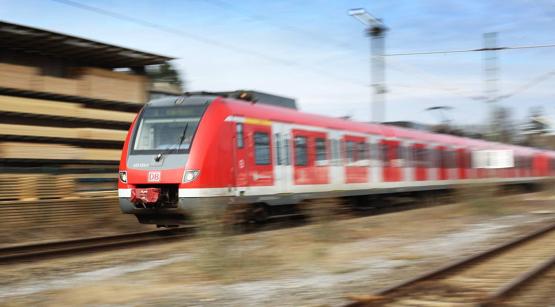 RP-Leser machen Druck: Bahn bietet Zusatz-Busse an