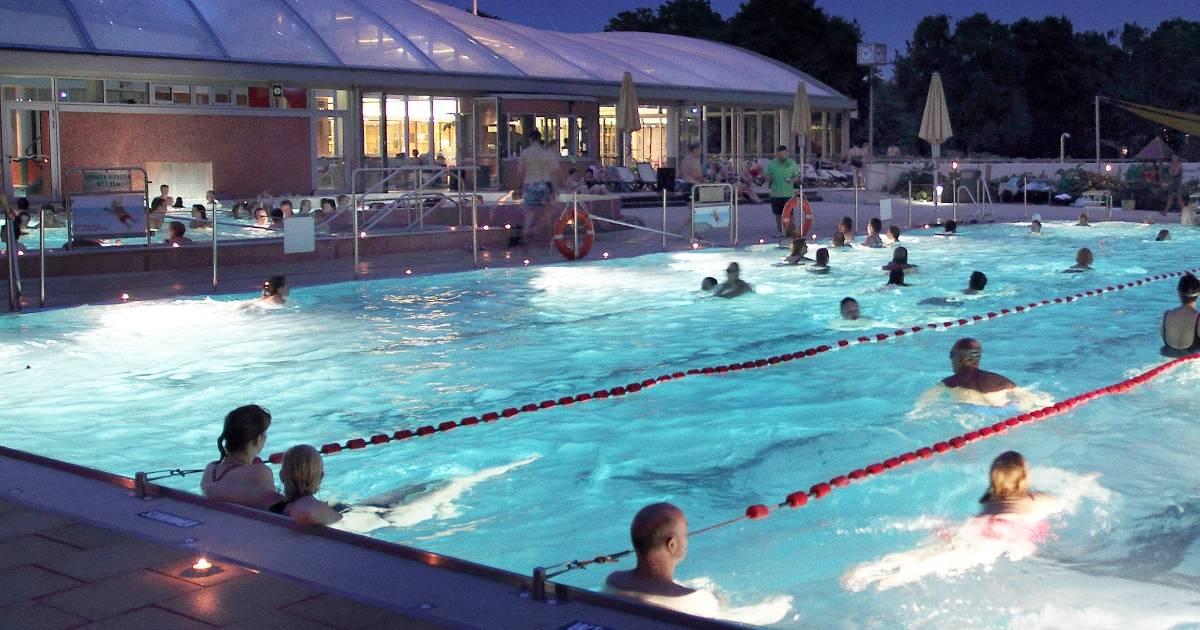 Schwimmen Und Sauna